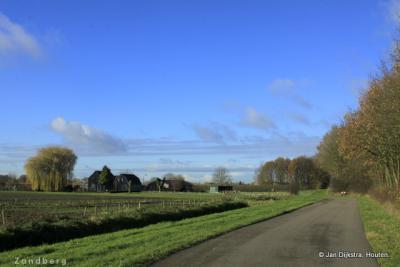 Op weg naar buurtschap Zandberg