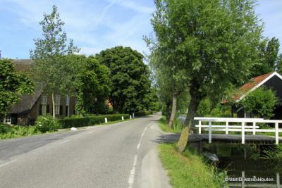 Mooi daar in Zevender, aan de Lopikerweg en de Lopikerwetering