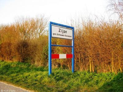 Zijpe wordt in de recente Topografische atlas van Zeeland niet meer genoemd. Ter plekke staan echter nog wel plaatsnaamborden, dus de buurtschap bestaat nog wel degelijk.