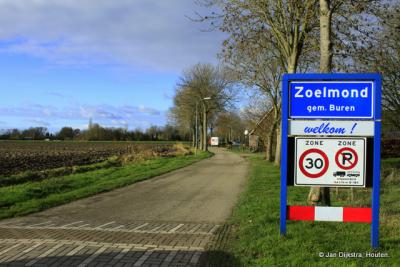 In Zoelmond ten ZO van Beusichem aangekomen.
