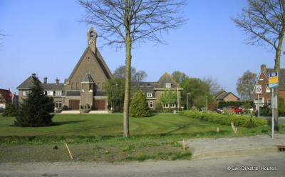 De op voorziene groei gebouwde kerk van Zuidermeer bleek achteraf veel te groot. In 2009 is hij verbouwd en herbestemd tot een prachtig multifunctioneel centrum met veel voorzieningen en waar veel te doen is. Een zinvolle herbestemming, zoals dat heet.