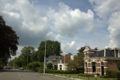 De Foarsrjitte (Voorstraat) in De Westereen (Zwaagwesteinde).