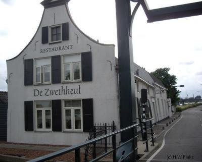 (De) Zweth, direct N van de Berkelse Zweth ligt op voorheen Delfts, sinds 2004 Midden-Delflands en daarmee Schipluidens grondgebied, het beroemde restaurant Aan de Zweth (hier nog met de oude naam t/m 2014: De Zwethheul).