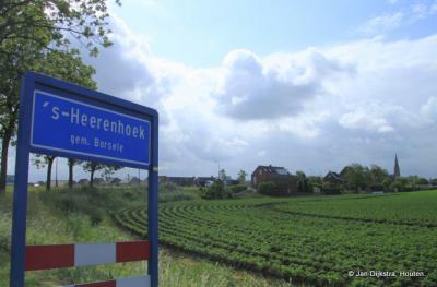 We zien 's-Heerenhoek al in de verte.