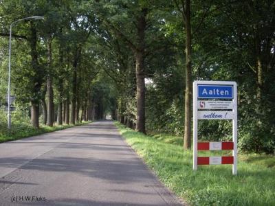 Aalten is een dorp en gemeente in de provincie Gelderland, in de streek Achterhoek.