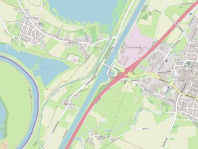 Buurtschap Aasterberg ligt zeer geïsoleerd ten opzichte van de buurkernen. In het N wordt de buurtschap van buurdorp Ohé en Laak gescheiden door de Geleenbeek, en in het ZO en O wordt zij gescheiden van Ophoven en Echt door het Julianakanaal.