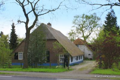 Een oude boerderij in Achterberg die zo goed past in het landschap van de Utrechtse Heuvelrug