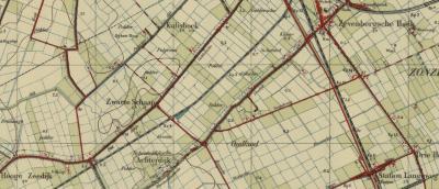 Volgens de kaarten heette de huidige Achterdijk tot de jaren zestig voor het N deel Gelderse Dijk en voor het Z deel Plat Dijkje. Hieraan gelegen buurtschappen waren volgens de kaarten van N naar Z Kalishoek/Calishoek, het Zwarte Schaap en Hoge Zeedijk.