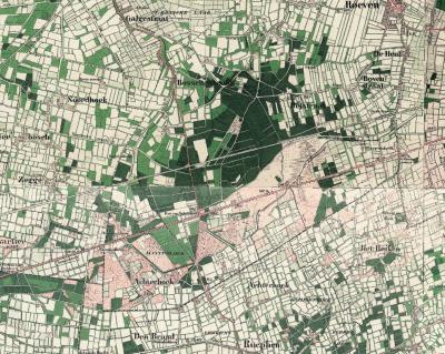 NW en N van Rucphen liggen twee buurtschappen Achterhoek: een in de ZW uithoek ('achterhoek') van voorheen gem. Hoeven, en een N van dorp Rucphen, die altijd al onder de gem. Rucphen heeft gevallen. Op deze kaart uit eind 19e eeuw zijn beide goed te zien.