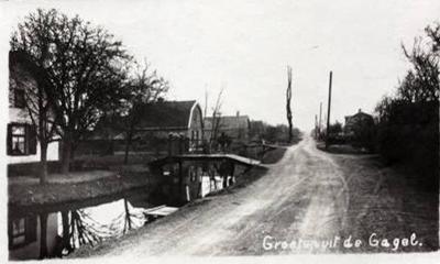 Mooie, oude fotokaart van de toenmalige buurtschap De Gagel onder de gemeente Achttienhoven. De kaart is in 1941 verstuurd. Tegenwoordig wordt de bebouwing aan de Gageldijk beschouwd als de noordrand van de Utrechtse wijk Overvecht.