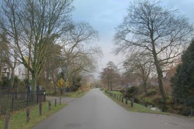Buurtschap Alendorp is als landelijke enclave bewaard gebleven tussen de omringende nieuwbouwwijken van Vleuten, De Meern en Leidsche Rijn. (© Jan Dijkstra, Houten)