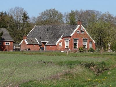 Buurtschap Alteveer gemeente Noordenveld, keuterij bij de Markeweg naar Lieveren. (© Harry Perton / https://groninganus.wordpress.com/2020/04/17/rondje-leutingewolde-roderesch-altena)