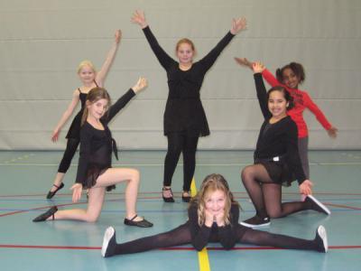 Bij Ambino Ballet in Amby kun je al op heel jonge leeftijd starten. Er is zelfs een peutergroep voor 3-4-jarigen. (© www.ambino.nl)