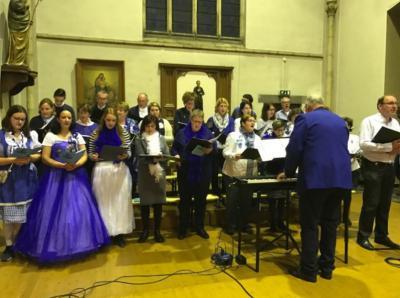 Vocalgroup Mes Amie heeft ca. 45 leden en zingt niet alleen in de parochiekerk van Amby, maar bijvoorbeeld ook tijdens Het Parcours in de binnenstad en Magisch Maastricht, in de Koepelkerk en in de driekoningenstoet.
