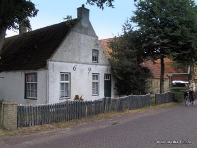 Een echt Amelander huis in Nes