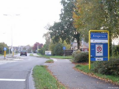 Angeren is een dorp in de provincie Gelderland, in de streek Betuwe, gemeente Lingewaard. T/m 2000 gemeente Bemmel.