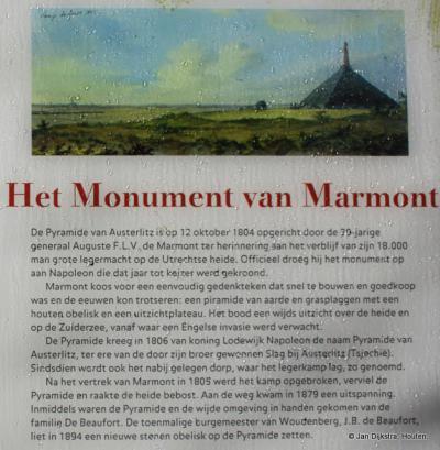 Lees het informatiepaneel ter plekke en je weet meer over de Pyramide van Austerlitz.