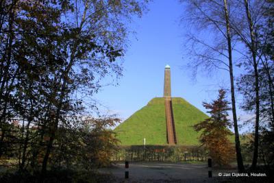 Nog even omkijken naar de beroemde Pyramide van Austerlitz.