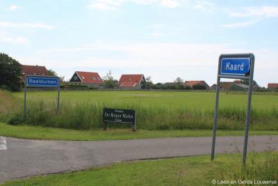 Baaiduinen is een buurtschap in de provincie Fryslân, in de streek Waddengebied, gemeente Terschelling. In het W grenst de buurtschap, zoals je hier aan de plaatsnaamborden ter plekke kunt zien, aan buur-buurtschap Kaard.