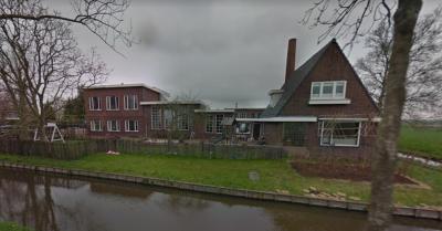 Zuivelfabriek De Ster in buurtschap Baarsdorpermeer was er tot 1969. Nadien heeft er een klokkenfabrikant en later een houtgroothandel in gezeten. Vandaag de dag wordt een deel van het complex verbouwd tot woning. (© Google StreetView)