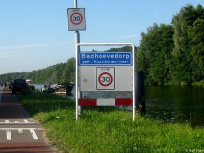 Badhoevedorp is een dorp in de provincie Noord-Holland, gemeente Haarlemmermeer.