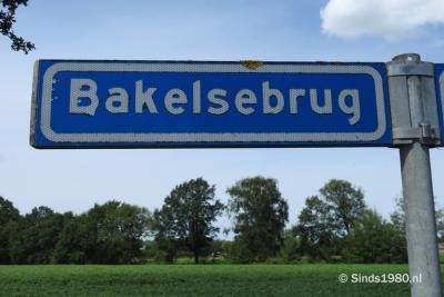 Bakelsebrug is een buurtschap in de provincie Noord-Brabant, in de regio Zuidoost-Brabant, en daarbinnen in de streek Peelland, gemeente Gemert-Bakel. T/m 1996 gemeente Bakel en Milheeze. De buurtschap valt onder het dorp Bakel. (© www.sinds1980.nl)