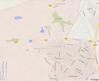 Tegenwoordig is er dus het dorp Bakkum, met direct N daarvan de oude dorpskern, die op kaarten nu Bakkum-Noord heet (voorheen was dat dus (Zuid-)Bakkum!), en N dáárvan de buurtschap Noord-Bakkum. (© Google)