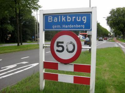 Balkbrug is een dorp in de provincie Overijssel, in de streek Salland, gemeente Hardenberg. T/m 2000 gemeente Avereest. (© H.W. Fluks)