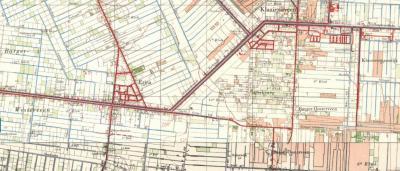 Rond 1960 verschijnen de bebouwingslinten rond de Derksweg en de Kloostermanswijk - toen kennelijk nog Kloostermansdijk - ook als plaatsnamen op de kaart. Enkele jaren later verdwijnen ze echter alweer. In het W wordt het Barger-Westerveen nog aangegeven.