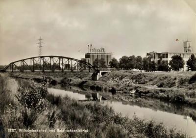 Batadorp was aanvankelijk een zeer geïsoleerd gelegen fabrieksdorp, maar dat was de bedoeling ook van dhr. Bata: een zelfvoorzienend dorp was goed voor de werknemers én goed voor de fabriek. Pas in 1947 komt de Batabrug gereed als verbinding met Best.