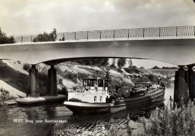 Door de Beatrixbrug over het Beatrixkanaal is Batadorp verbonden met het bedrijventerrein W van dat kanaal