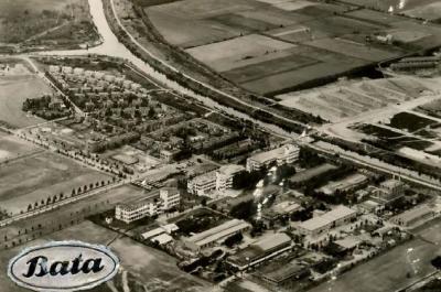 Batadorp, anno ca. 1950, met rechtsonder het fabriekscomplex van Bata, linksboven het fabrieksdorp Batadorp, en rechtsboven de eerste bebouwing van de dan nieuwe wijk Wilhelminadorp, tussen Batadorp in het Z en de kern Naastenbest in het N.