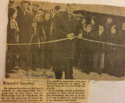 De andere 'parel van Bekmansbroek' is de officiële KNSB 400-meterijsbaan Roowinkel. Die status heeft de ijsbaan sinds 1963, toen hij dieper werd uitgegraven. Hier een krantenartikel t.g.v. de feestelijke heropening in dat jaar. (© www.roowinkel.nl)