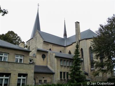 Berg, H.H. Monulphus en Gondulphuskerk