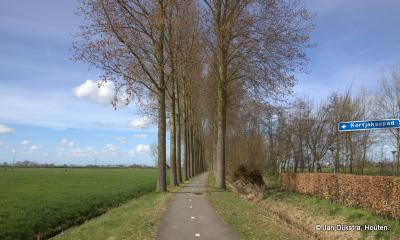 Vanaf de Breudijk kun je ook het mooie en lange Kortjaksepad op voor een wandeling door de polder.