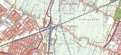 Blauwkapel is het bekendst van het gelijknamige fort en van het kerkje op het fort. Minder bekend is dat de lintbebouwing O daarvan, aan de Voordorpsedijk, ook nog onder Blauwkapel valt. Op deze kaart uit ca. 1970 is dat goed te zien. (© Kadaster)