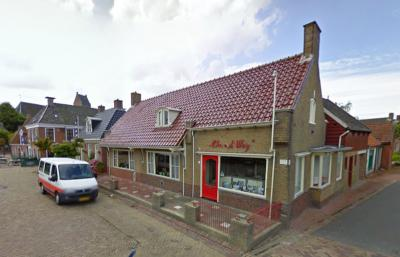 De in 2012 op 101-jarige leeftijd overleden Chris van der Weij is jarenlang de oudste ondernemer van Nederland geweest. Hij heeft meer dan 70 jaar een onderneming gehad in het verhuren van personenbusjes. In 1934 was hij de eerste met een auto in Blije.