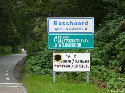 De buurtschap en formele woonplaats Boschoord is sinds 2014 eindelijk middels plaatsnaamborden ter plekke herkenbaar. Met dank aan Plaatsengids.nl ;-)