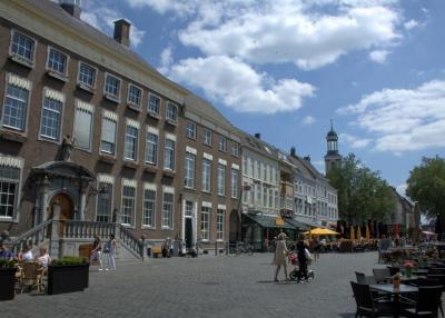 Breda, wandelen in de Vismarktstraat (© Jan Dijkstra, Houten)