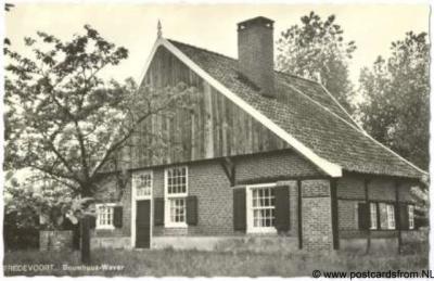 Buurtschap 't Klooster, boerderij Bouwhuis Wever (Kloosterdijk 9) is een rijksmonument