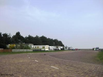 Breezanddijk is een van de kleinste formele woonplaatsen van ons land, met slechts een benzinestation, een woonschip en een camping.