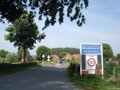 Bronkhorst is een dorp in de provincie Gelderland, in de streek Achterhoek, gemeente Bronckhorst. T/m 2004 gemeente Steenderen. Het dorp was oorspronkelijk zelfstandig en is bij de indeling in gemeenten (1811) bij de gemeente Steenderen ingelijfd.