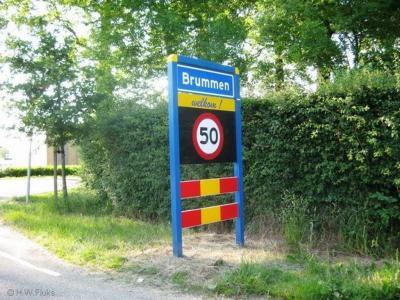 Brummen is een dorp en gemeente in de provincie Gelderland, in de streek Veluwe, en daarbinnen in de Veluwezoom.