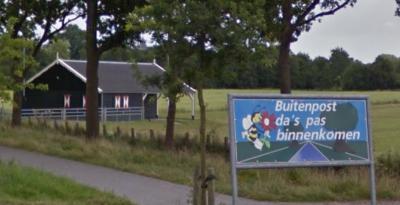 Welkom in Buitenpost! (© Google)