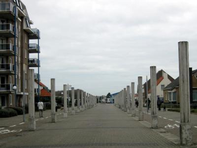 De 'Dorpsstraat' in Cadzand-Bad heet Boulevard de Wielingen
