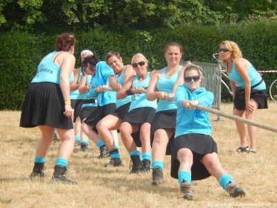 Ja ook de vrouwen 'staan hun mannetje' tijdens de Highland Games Calfven!