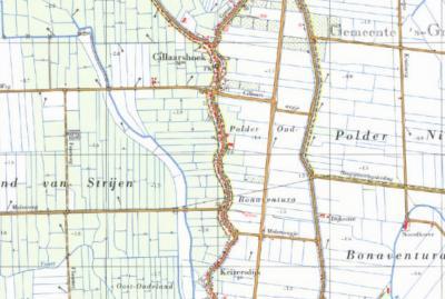Tot de herindelingen van 1984 was Cillaarshoek een bijna 2 km lange smalle uitloper als Z uiteinde van de gemeente Maasdam. De gemeentegrens (zie de stippellijnen) liep strak langs de bebouwing aan de Keizersdijk. (© Kadaster)