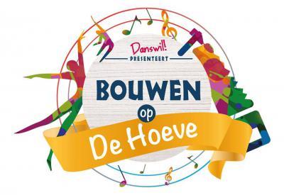 In het project 'Bouwen op De Hoeve' is een bouwwerk gecreëerd dat symbool staat voor de wil van de bewoners om in het dorp te mogen bouwen. Het bouwwerk is op 15 oktober 2016 feestelijk onthuld met zang en dans van de inwoners. (© www.danswil.nl)