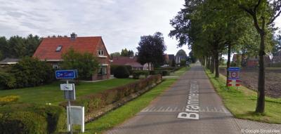 Hier ligt het driedorpenpunt De Kiel/Eeserveen/Odoornerveen. Enkele meters verderop, aan de rechterkant, staan namelijk de plaatsnaamborden van Odoornerveen. (© Google)