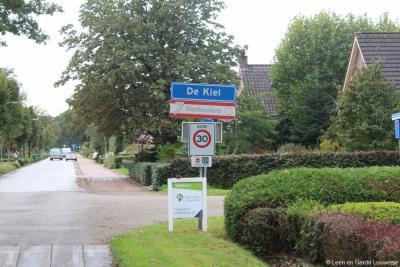 Vóór 1942 viel De Kiel onder maar liefst 6 gemeenten, en daarvoor onder 7 'marken'. Dit is een cultuurhistorisch unieke situatie. Het dorp profileert zich dan ook - onder meer onder de plaatsnaamborden - als 7 Markendorp.